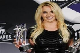 Malam Tahun Baru, Britney Spears Tampil di New York