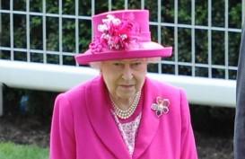 Ratu Elisabeth Beri Penghargaan kepada Ringo Starr & Barry Gibb