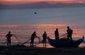 Luhut Pandjaitan: Jangan Ada Kebijakan yang Membuat Nelayan Tidak Nyaman