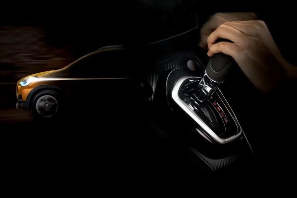 Datsun CROSS dengan transmisi otomatis CVT