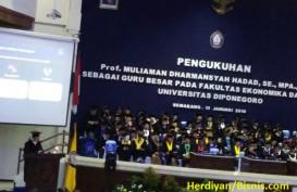 Pengukuhan Profesor Muliaman Hadad: Krisis Keuangan Hanya Soal Kapan, Bukan Soal Jika