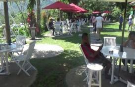 REFERENSI KULINER: Nikmatnya Ngeteh di Tengah Kebun Kemuning