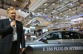 Mercedes-Benz Akan Bawa 2 Mobil Hibrida