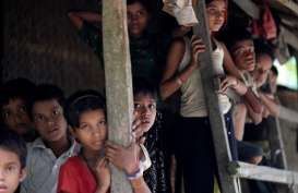 Jokowi ke Kamp Pengungsi Rohingya di Bangladesh dengan Mobil Sejauh 70 kilometer