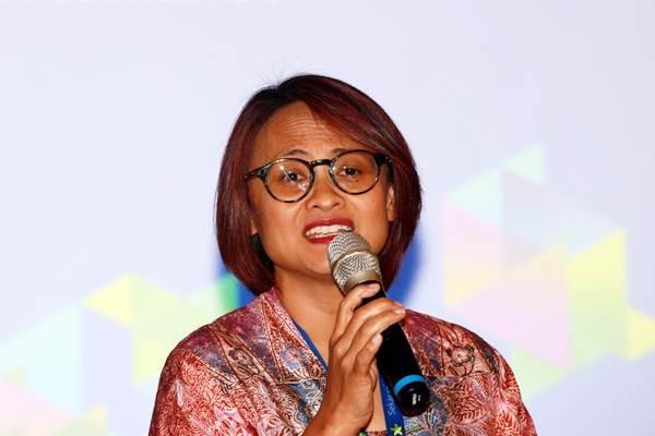 Presiden Direktur & CEO PT XL Axiata Tbk. Dian Siswarini memberikan penjelasan tentang perusahaannya saat acara paparan kinerja di Jakarta, Senin (31/7/2017). - JIBI/Abdullah Azzam