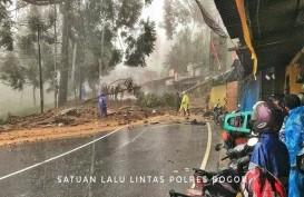 Foto-foto Banjir di Jakarta dan Jalur Puncak Longsor