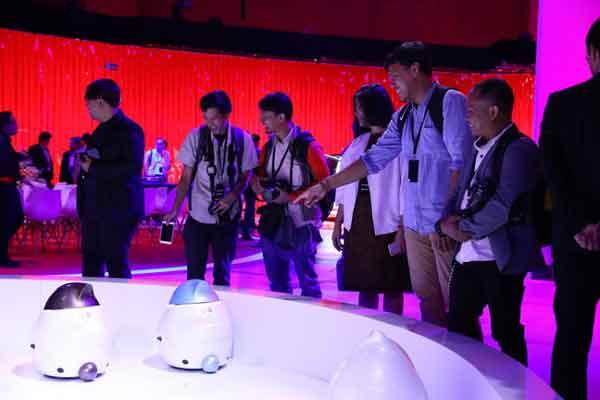Wartawan Indonesia hadir di Nissan Future, Singapura.  - Nissan