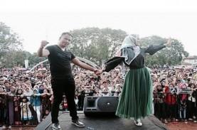 Angel Lelga dan Vicky Prasetyo Nyanyi 'Cinta Terakhirku'…