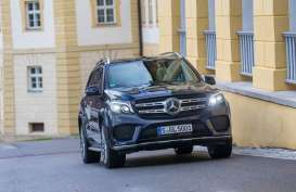 TREN MOBIL : Mercedez-Benz Pacu Model SUV