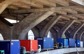 CURAH HUJAN TINGGI : Distribusi Logistik Tetap Aman