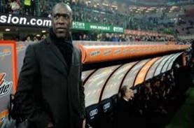 Debut Jadi Pelatih, Clarence Seedorf Telan Hasil Buruk…