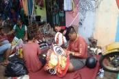 Imlek : Ini Kisah Pembuat Barongsai Semarangan