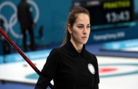 Cantiknya Anastasia Bryzgalova, Atlet Curling Olimpiade Pyeongchang yang Mirip Angelina Jolie