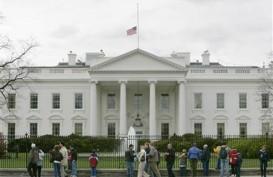 Tuntut Pengendalian Senjata Api, Belasan Siswa Berbaring di Depan Gedung Putih