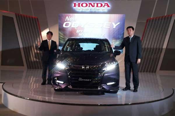 New Odyssey juga dilengkapi dengan LED fog lamp dan front lower garnish baru yang menguatkan kesan dinamis.  - Bisnis.com/Yudi Supriyanto