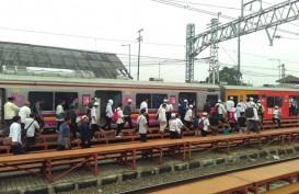 Rel Patah, Kereta KRL Bogor-Jakarta Terganggu