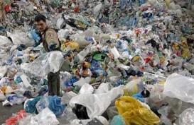 Limbah Plastik dan Gabus Ancam Warga Jakarta