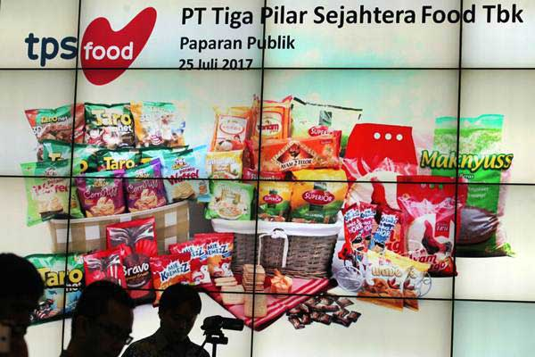 Wartawan menghadiri jumpa pers yang digelar oleh PT Tiga Pilar Sejahtera Food TBK terkait PT Induk Beras Unggul (IBU) pada kasus beras oplosan, di Bursa Efek Indonesia, Jakarta, Selasa (25/7). - ANTARA/Muhammad Adimaja
