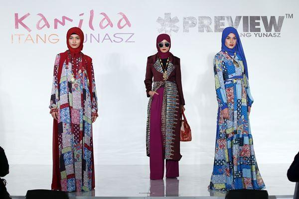 Koleksi busana muslim rancangan Itang Yunasz - Tim Muara Bagdja