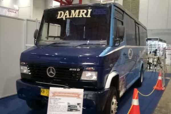 Bus Mercedes-Benz Vario.  - Antara