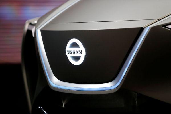 Logo Nissan terlihat dalam International Motor Show ke-88 di Palexpo, Jenewa, Swiss, pada Kamis (6/3). - Reuters/Pierre Albouy