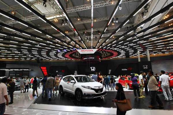 Suasana pameran Gaikindo Indonesia International Auto Show (GIIAS) 2017 di Tangerang Banten, Jumat (11/8). - JIBI/Dwi Prasetya