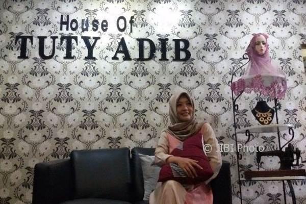 Desainer dari Solo, Tuty Adib - Jibiphoto