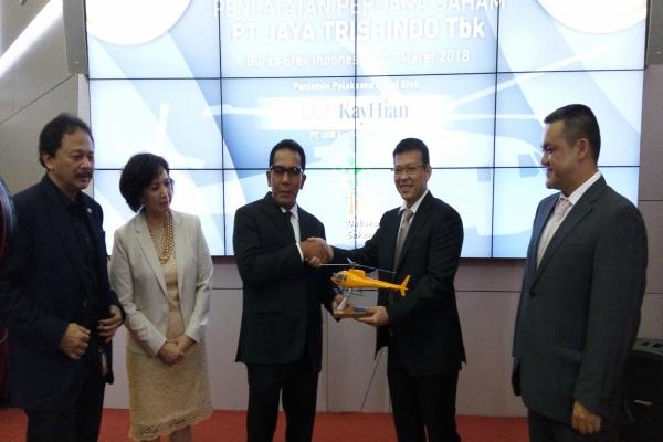 Pencatatan perdana saham PT Jaya Trishindo Tbk. di Bursa Efek Indonesia - Bisnis/Emanuel B. Caesario