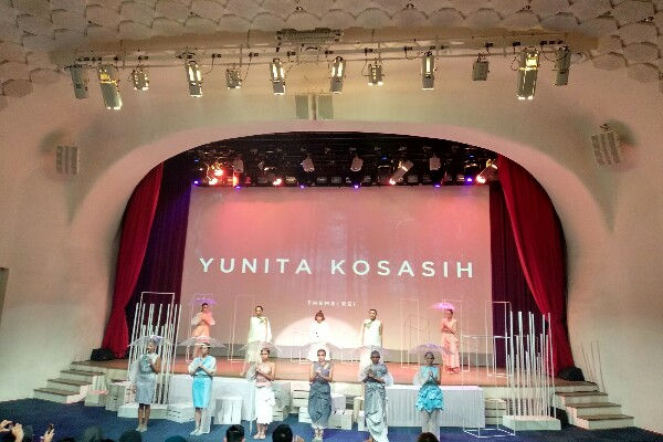 Koleksi ready to wear Yunita Kosasih - Asteria Desi