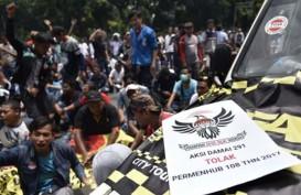 Aliando Unjuk Rasa untuk Tolak Regulasi Taksi Online