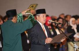 GUBERNUR BANK INDONESIA : Jalan Mulus Perry Warjiyo