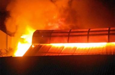 Gudang Bantuan Pangan di Pelabuhan Laut Merah Terbakar