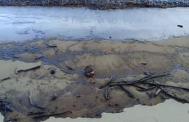 Tumpahan Minyak di Teluk Balikpapan Menyebar ke Arah Selat Makassar