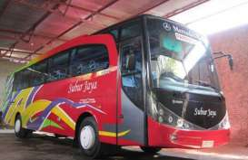 Kecelakaan Maut Tol Ngawi : Bus Pariwisata SMA 2 Magelang Tabrak Tronton. Satu Tewas