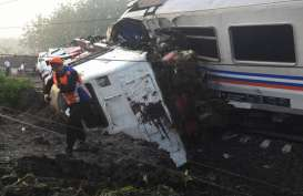 Kecelakaan KA Sancaka: Jalur KA Lintas Selatan Kembali Lancar