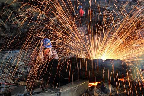 Smelter pengolahan baja. - JIBI/Ilustrasi