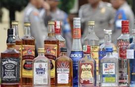 Polisi Sita Puluhan Botol Miras di Wilayah Singkawang