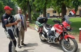 Berkendara dengan Motor ke London, Biker Indonesia Ini Singgah di India
