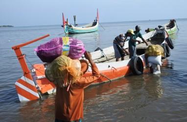 Pemudik Melalui Pelabuhan Feri Jangkar Mulai Meningkat