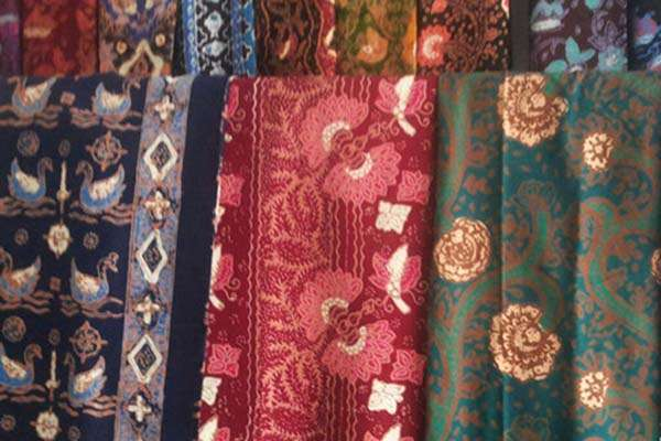 Kain batik Jambi - Antara/Zukni