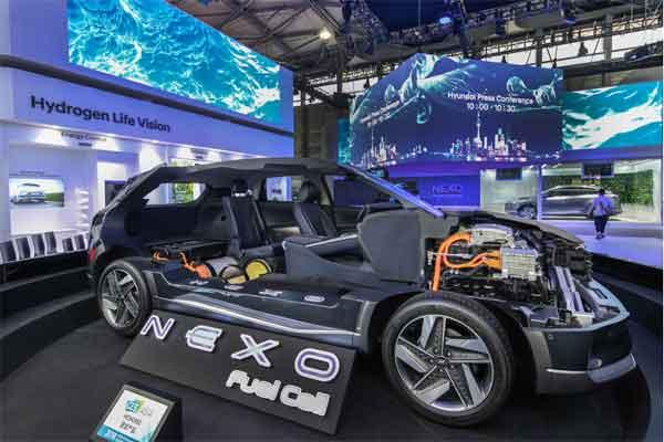 Hyundai Nexo hadir dengan daya motor 120kW, 20% lebih baik dari pendahulunya Tucson Fuel Cell (juga dikenal sebagai ix35 Fuel Cell).  - Hyundai