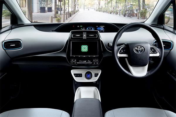 LINE juga akan memberikan dukungan bagi pengguna baik sebelum dan sesudah masuk mobil Toyota.  - Line Corp