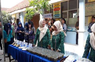 Bubur Kacang Hijau Desa Tangkil Sambut Jokowi dan Presiden World Bank