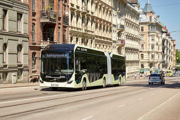 Bus gandeng listrik di Goethenberg.  - Volvo