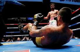 Andalkan Southpaw, Manny Pacquiao Kembali Menang KO Setelah 9 Tahun
