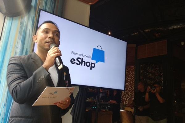 General Manager Marketing Plaza Indonesia Zamri Mamat menjelaskan E-Shop platform - Asteria Desi Kartika Sari