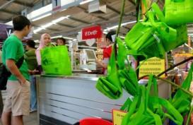 Kurangi Pemakaian Kantong Plastik, KLHK Bagikan 2.000 Tas Belanja