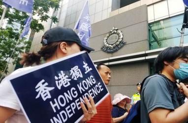 Pendukung Demokrasi Hong Kong Menentang Larangan Partai Politik