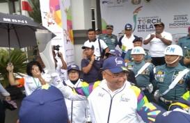 KIRAB OBOR ASIAN GAMES 2018: Semangat Warga Sorong Bikin Menteri Eko Takjub