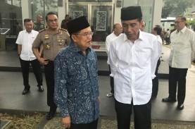 Tak Lupakan NTB, Presiden Jokowi dan Wapres JK Salat…